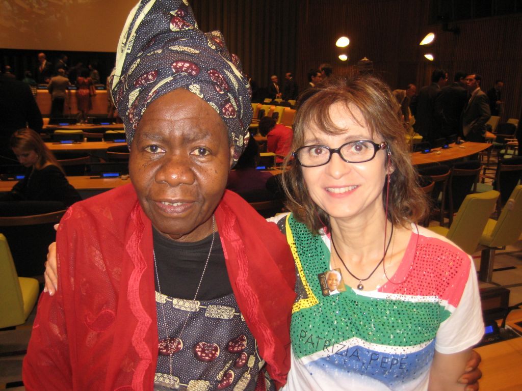 Avec Queen Mother Présidente d'une ONG